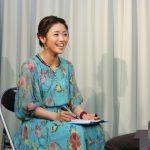 川野夏美 キャンペーン会場でファンの似顔絵を描く